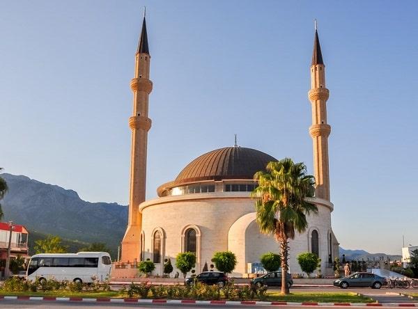 kemer-moskee-bezienswaardigheden-vakantie-informatie