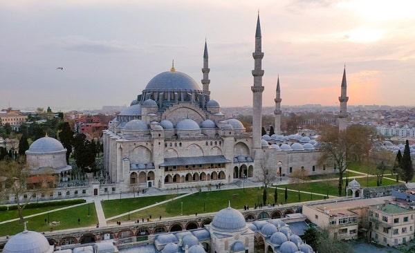 moskee-istanbul-bezienswaardigheden-wat-zien-doen